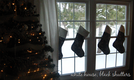 homes for rent hanging stockings in your rental home with care. Black Bedroom Furniture Sets. Home Design Ideas
